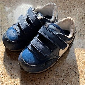 Boys Nike Navy Blue excellent condition !!!